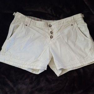 Light green Da-Nang Surplus Shorts